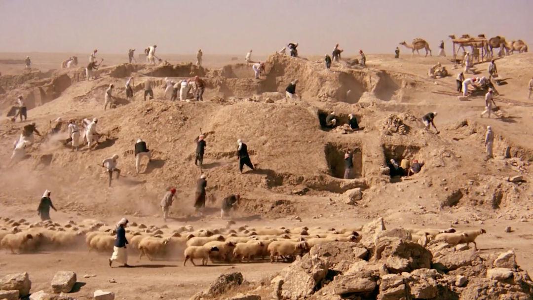 IMAGE: Still - Northern Iraq people digging