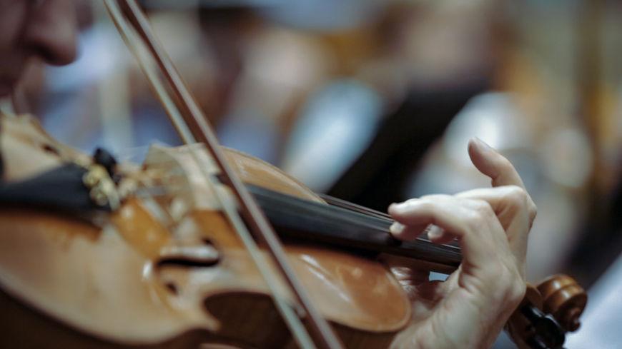 IMAGE: BTS - Orchestra violin