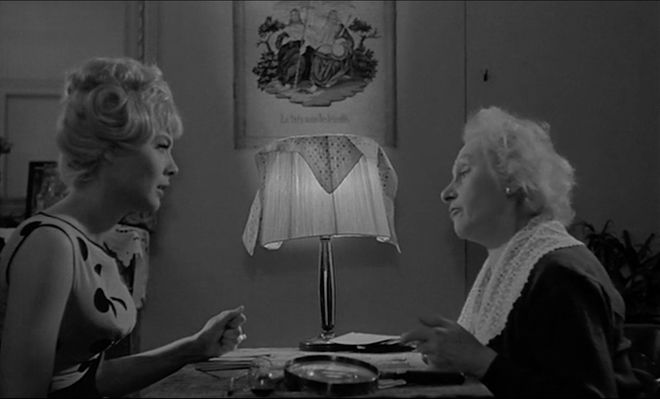 IMAGE: Still - 27 Cleo and Fortuneteller black and white