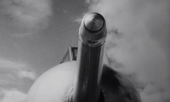 IMAGE: Opening refuelling probe shot